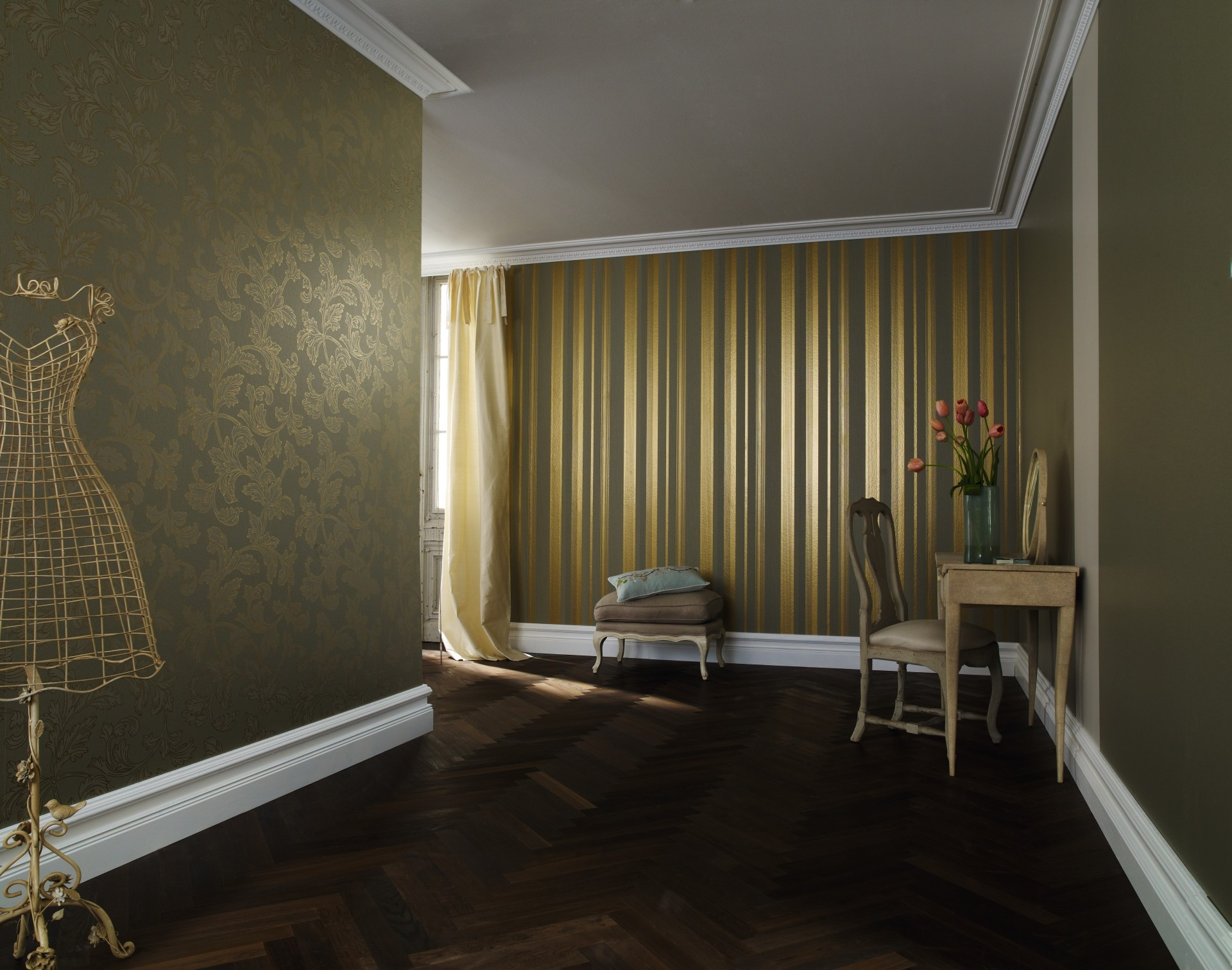 Tapete wohnzimmer gr n for Goldene tapete wohnzimmer